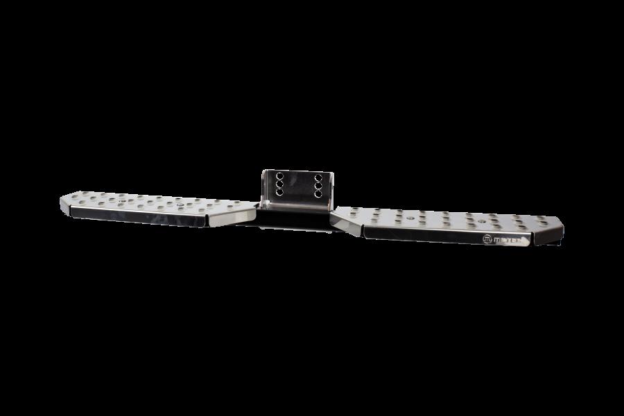 Universal fotsteg för dragkrok i rostfritt 1200 mm.