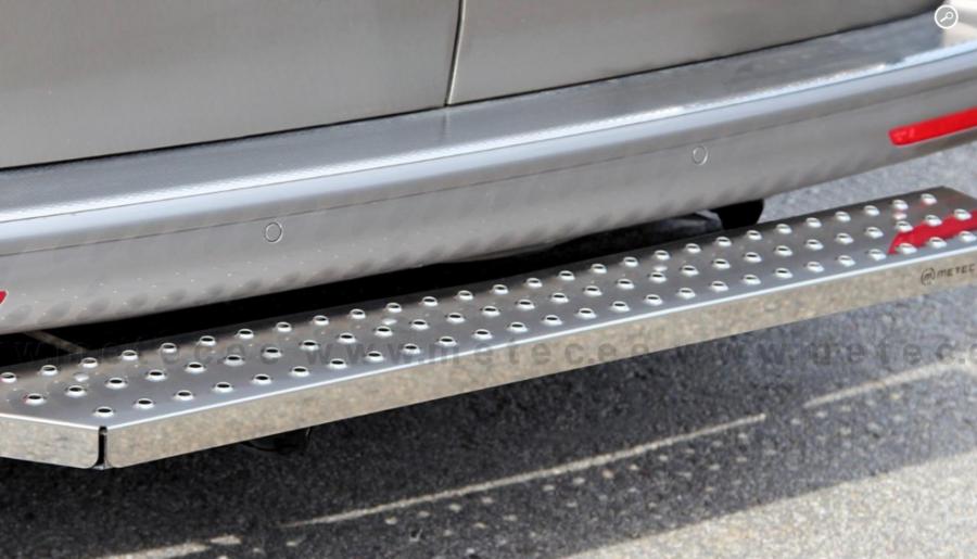Fotsteg bak i rostfritt till Ford Custom 2013-.
